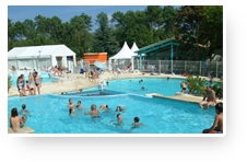 Swimming pool area camping Le Lou Broustaricq, Sanguinet, Landes